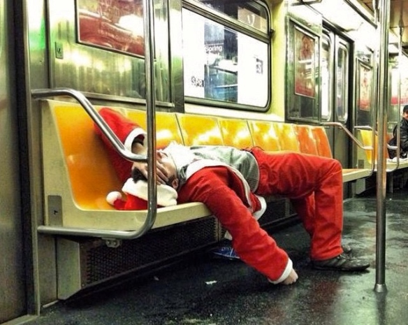 santa-drunk-on-train